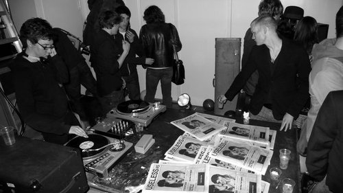 Dlux_3_two_useless_magazine_party_at_yok_2